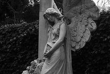 Angels statues tombstones