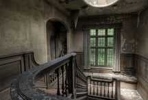 Abandoned - Forgotten / Abandoned, forgotten, but poetically beautiful. Abandonado, esquecido, mas poeticamente lindo. / by Léo Begin