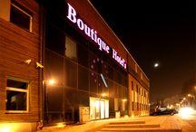 """Boutique Hotel's I w centrum Łodzi ul. Milionowa 25 (business) / Boutique Hotel to nowoczesny i komfortowy hotel. Wszystkie proponowane turystom pokoje charakteryzują się oryginalnym wystrojem oraz umeblowaniem.  93-193 Łódź, ul. Milionowa 25  GPS N: 52° 10' 26"""" E: 18° 51' 9"""" tel. 42 684 75 10 kom.512 22 10 11  email: milionowa@hotels24.com.pl http://www.hotels24.com.pl/hotele-lodz/boutique-hotels-milionowa.html"""