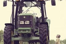 John Deere / Tractors