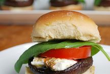 Vegetarian Sliders / For quirky individuals such as myself, who are A-Vegetarian, or like Vegetarian food and people that feel overwhelmed by plates of food, and just prefer wee little bites! :D