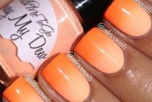 Nails Nails Nails / by Alana Fernandes