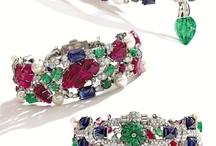 TUTTI FRUTTI / драгоценности выполненные сочетанием различных драгоценных или полудрагоценных камней