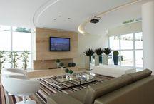 salas de tv com lareira