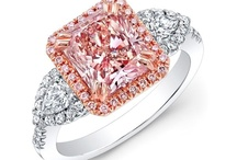 Diamond Appraiser / New England Gem Appraisals, LLC is your premier choice for all your fine jewelry, diamonds, gemstones, watches, precious metals, coins and silver flatware appraisal needs.
