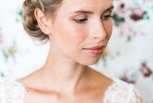 Couronnes de fleurs / Voici nos coiffures préférées pour les mariées à la recherche d'originalité.