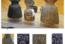 Simboluri grupate pentru o amplificare a semnificaţiei sacre, din neolitic până în epoca bronzului