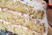 Cakes & Cupcakes / by Anne Elkins