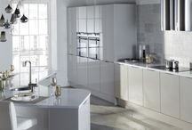 Otto gloss kitchen / the Otto gloss kitchen from Units Online is available in 4 great colours; cashmere, graphite, porcelain and white http://www.unitsonline.co.uk/otto-gloss-kitchen