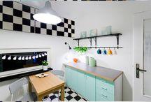 Remont kuchni w 48 godzin / Polecamy ku inspiracji, uwielbiane przez nas nowatorskie projekty modernizacji kuchennych wnętrz zrealizowane przez polskiego projektanta, Tomasza Pągowskiego.