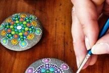 Piedras pintadas / by silvia martinez