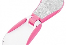Manicure & Pedicure <3 / Our most famous tools to keep your hands and feet looking pretty! / by Tweezerman