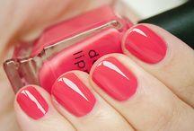 Nails / by Haylee Sheehan