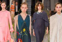 Semana de la Moda Londres / Primavera – Verano 2017 / La Semana de la Moda Londres es uno de los eventos más importantes en la industria de la moda. Se lleva a cabo dos veces al año; febrero y septiembre. El organizador principal del evento es el Consejo de la Moda Británica. Encontrarás toda la información de este evento tan importante en http://tendenciasjoyeria.com/semana-la-moda-londres-2/