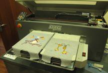 Образцы струйной цифровой печати на футболках и крое / Образцы струйной цифровой печати на футболках и крое водными пигментными чернилами Dupont Artistri 5000+