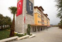 Doğa Okulları Başakşehir Kampüsü / Doğa Okulları ayrıcalıklı eğitim modelleri, çağdaş eğitim teknolojileri ve yetkin eğitim kadrosuyla Başakşehir'de... 10 bin m2'lik alanda, 3 bin m2 açık alana sahip kampüste 55 tane derslik bulunmaktadır.