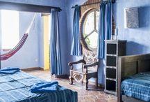 Inspiracje / Głównie hotele-perełki wyszukane z dziesiątek tysięcy innych obiektów. Do naszych inspiracji docieramy podczas licznych inspekcji do krajów obu Ameryk, Azji czy Australii i Oceanii. Hotel to, naszym zdaniem, jeden z najważniejszych aspektów podróży, dlatego robimy wszystko, aby nasi Klienci przebywali w miejscach zadbanych, pięknie urządzonych i z niepowtarzalnym klimatem. Hotel jest w końcu idealnym uzupełnieniem atmosfery towarzyszącej nam podczas podróży do danego kraju.