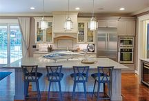 Gina Fitzsimmons, ASID / Fitzsimmons Design Associates, Inc. - TOP INTERIOR DESIGNER H&D PORTFOLIO - DC/MD/VA - http://www.handd.com/GinaFitzsimmons - Designing waterfront homes is a specialty of Gina Fitzsimmons, principal of Annapolis-based, full-service design firm Fitzsimmons Design Associates. For more than 20 years, Fitzsimmons has created beautiful spaces for clients on the shores of the Chesapeake, always ensuring that water views take center stage.