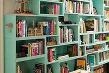 Cantinho para os livros / Quem é que gosta de ler e tem ciúmes dos seu livros?  Eu, eu amo ler, amo meus livro e morro de ciúmes, meu sonho é ter uma sala enorme com todos eles bem guardadinhos, não custa sonhar né!