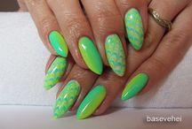 Green nails / paznokcie w odcieniach zieleni