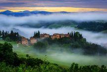Toscana- Baştanbaşa İtalya Turu / Hayat Güzeldir (La Vita e Bella) filminin de çekildiği İtalya'nın #Toscana bölgesi doğası, mimarisi ve mutfağıyla iz bırakıyor.  #mngturizmle Baştan Başa #İtalya Turu duraklarından Toscana'yı bu albümde inceleyin.  Tur programı: http://www.mngturizm.com/yurtdisi-turu/bastanbasa-italya-turu