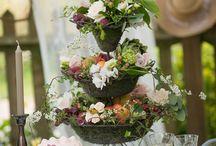 Spring Wedding Ideas / Inspiring ideas for the spring wedding of your dreams.