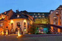 HOSTELLERIE DES CHATEAUX **** / Spa Resort   Elsass   Frankreich  11, rue des Châteaux   67530 Ottrott, Alsace Tel.: +33 3 88 48 14 14   Fax: +33 3 88 48 14 18.  Wellnesshotel im Elsass - zwischen Straßburg und Colmar