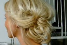 Hairdos & Make-up / by Sandy Yates