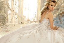 Bridal:WEDDING GOWNS