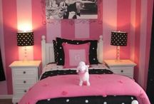 Gina bedroom ideas / by Sondra Linton