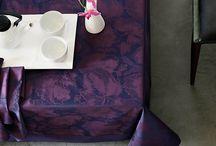 L'ultra Violet : la couleur de l'année 2018 ! / L'année 2018 sera sous l'influence de la couleur ultra violet. C'est la couleur des rêves, de la magie, et de la douceur. Le violet est très facile à associer. Elle se marie bien avec le vert, le blanc, le noir ou l'orange. Avec des teintes jaunes, cela viendra dynamiser l'espace. La combinaison avec les nuances bleues est aussi très réussie ! #pantone2018 #ultraviolet #purple #coloroftheyear
