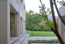 Moderne tuinen / Inspiratie voor de liefhebbers van een moderne tuin.  #modernetuin #modern #tuinen #tuinieren #tuininspiratie