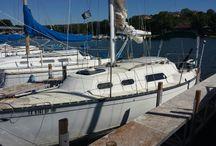 "Hunter 25 Sailboat Refit / Purchasing and refitting my ""starter boat,"" a 1978 Hunter 25."