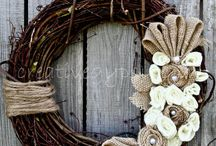 Wreaths / by Holly Midd