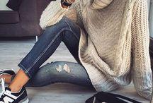 looks: jeans