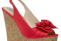 I love shoes.... / by Luz Elena Moran