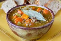 Scrumptious Soups / Delicious tasty stew and soup recipes and ideas, yum! With healthy soup recipes, vegetable soup recipes and hearty stews too.