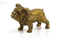 Бронзовые собачки / Серия тематических скульптур, посвящённых собакам. Всего в серии 54 цельнолитые статуэтки различных пород собак.