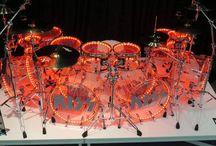 Drum kits of doom / Drums