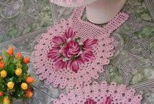 вязанные коврики и накидки