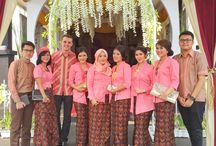 indonesian bridemaids  / kutubaru dress / indonesian bridemaids