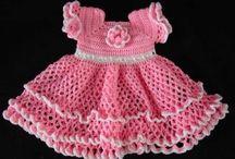 Sukienki dla małych dziewczynek