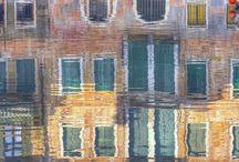 venezia / Andare in giro per calli e campi, senza un itinerario prestabilito, è forse il più bel piacere che a Venezia uno possa prendersi.