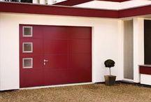 Komilfo | Portes de Garages / Seconde entrée de votre domicile, votre garage mérite d'être valorisé ! Sectionnelles, latérales, coordonnées, enroulables, battantes… il y une solution produit à tous les besoins.