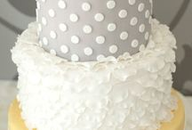 Cakes / by McKinley {Haolepinos}