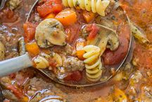 Slow Cooker Recipes / Let dinner make itself tonight with these delicious slow cooker pasta meals.