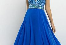 Beautiful Gown  / I don't dress like i have any money. And i don't have any money, which helps enable me to dress like that. -Jarod Kintz-
