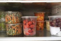 Organizando a  geladeira para as refeições da semana