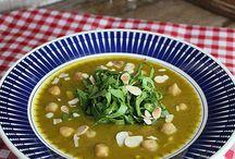 Sopas! / Uma sopa quentinha depois de um dia de trabalho atribulado? A gente tem… e temos váaaarias: quente, fria, chique, fit… uma para cada dia!