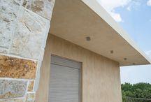 Κατοικία στο Αλεποχώρι / Εφαρμογή έγχρωμου σοβά και έγχρωμου αρμού πέτρας / Colored plaster and colored stone joint by www.evomat.com